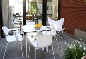 Hal Stuhl und Tisch für den Garten von Vitra