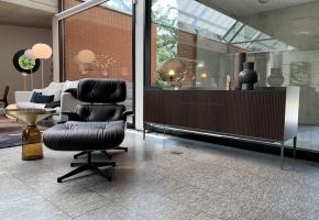 Rimadesio Self up Sideboard Sahara Holz Metall Glas Lounge Chair Eames Vitra