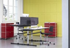 USM Kitos M Tisch Büro und USM Haller Regale
