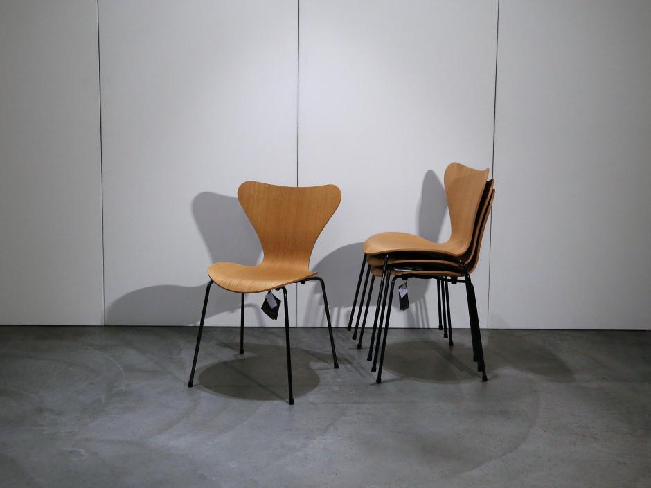 Fitz Hansen Die Serie 7 Stuhl Stapelbar 3107