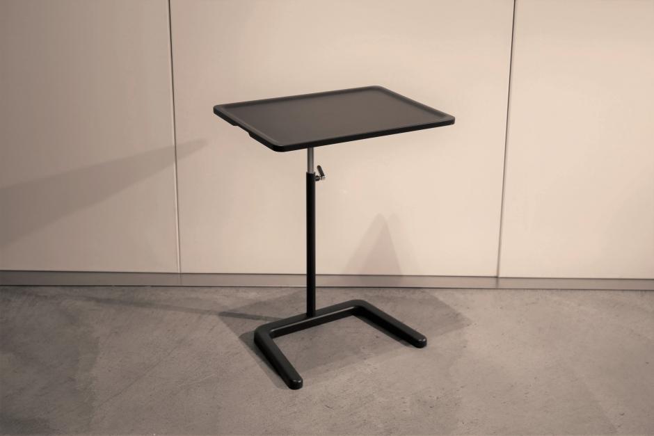 Vitra Nes Table